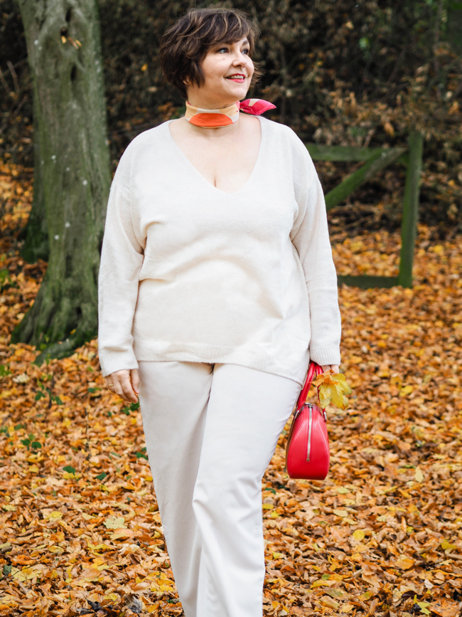 So schön kann beige sein! Ich zeige euch den Menocore-Look mal ein bisschen anders! Und in Plussize. Perfekt für Frauen ab 40, die sich ein bisschen was trauen.