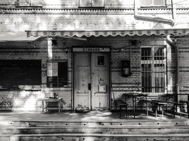 Mystery Shooting: Wenn Geschichte verschwindet. Ich habe einige dieser Lost Places modisch inszeniert. Hier: Die Willner Brauerei in Berlin Pankow.