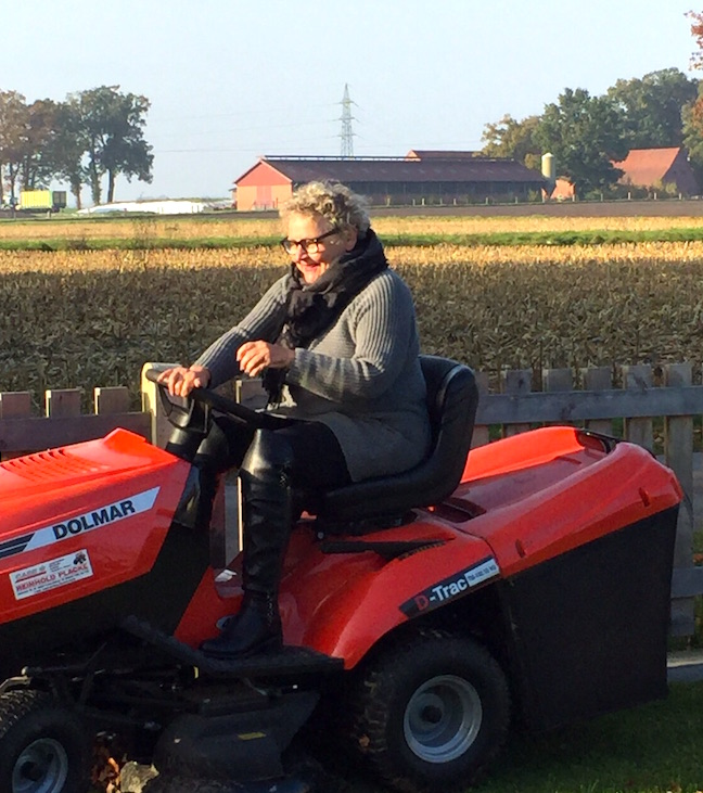 Autorin und Schriftstellerin Birgid Hanke im Montagsinterview auf Texterella.