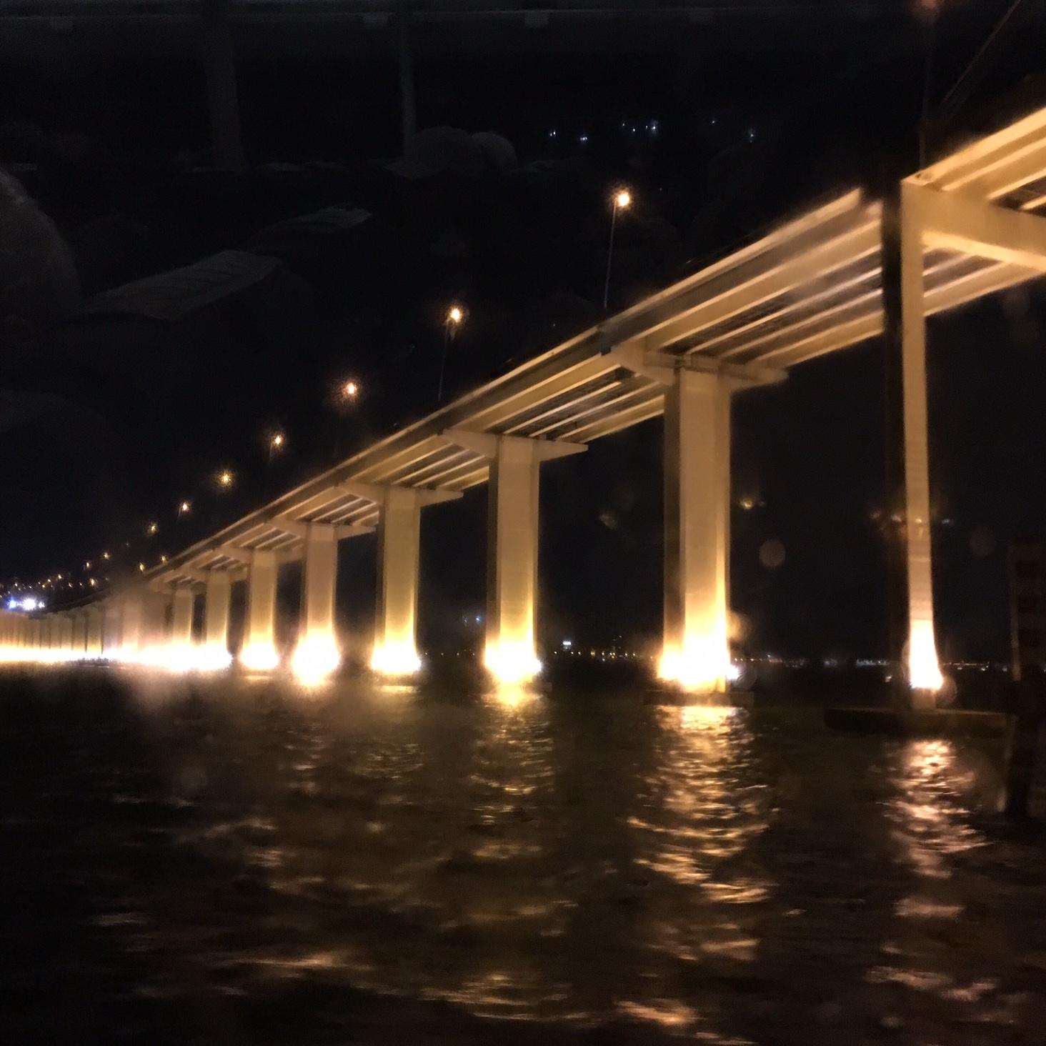 Brücke von Macao nach Rot-China