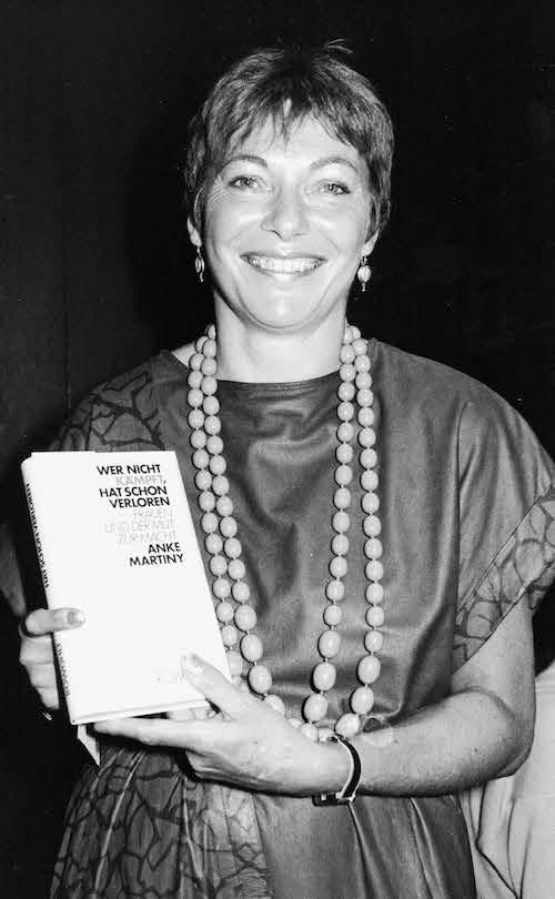 Buchvorstellung im Lederkleid (1986)