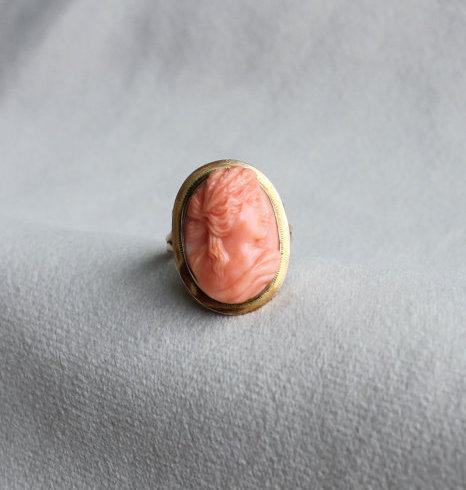Cameo Ring aus Koralle (Vintage)