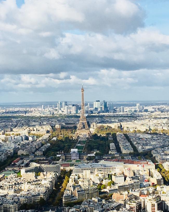 Der Eiffelturm - gesehen vom Tour Montparnasse aus. Foto: Susanne Ackstaller.
