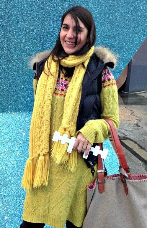 Emma in gelb. Die einzige Frau, der das auch steht. (2014)