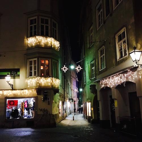 Graz, Österreich: die Gassen in der Nacht