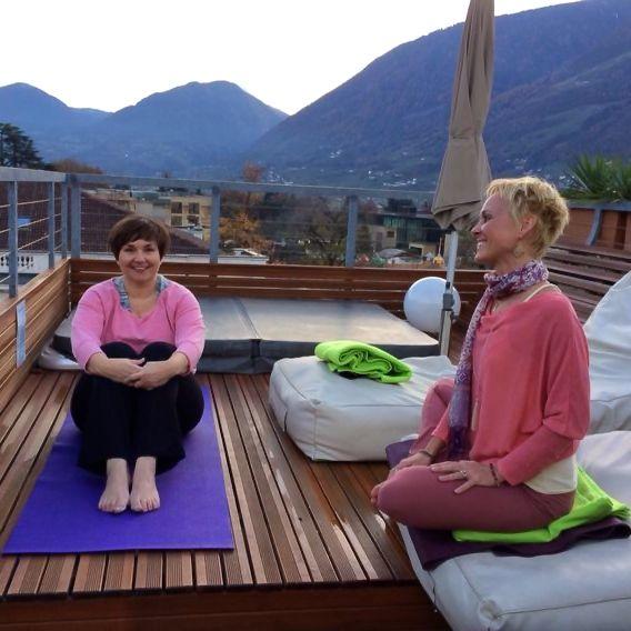 ImperialArt: Yogastunde auf dem Hoteldach